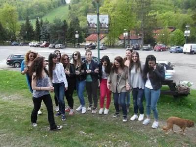 ΕΛΛΗΝΑΚΙΑ ΚΑΝΟΥΝ ΠΑΣΧΑ ΣΤΟ ΚΟΣΙΤΣΕ – GREEK STUDENTS EASTER AT KOSICE